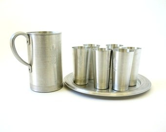 Vintage West Bend Aluminum Wheat Pattern Pitcher and Drinkware Set / Set of Pitcher, Six Cup and Tray / 1950s Barbeque Patio Entertaining