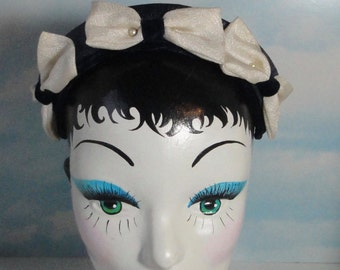 Vintage Navy Blue with 3 White Linen Bows Mini Hat. 1940s