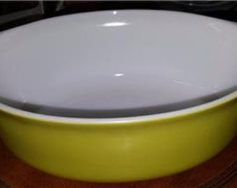 Vintage Pyrex Olive Avocado Green Colored Mixing Bowl