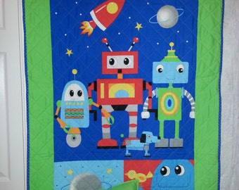 Robot quilted blanket and pillow