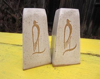 Vintage Mid Century Bird Speckled Stoneware Salt Pepper Pottery Shakerss
