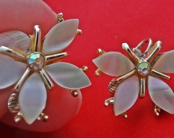 """Vintage TARA signed gold tone clip 1"""" butterfly earrings with mother of pearl wings and  rhinestones in great condition, appears unworn"""