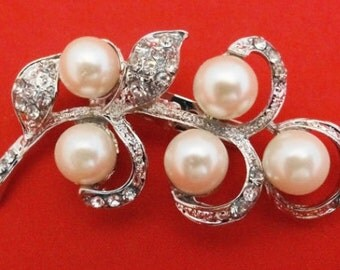 "20% off sale Gorgeous Vintage  2.5"" silver tone  brooch with rhinestone and pearl accents in great condition, appears unworn"