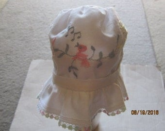 Easter Vintage BABY Infant  SUN BONNET White, Embroidered pastel birds in tree limbs