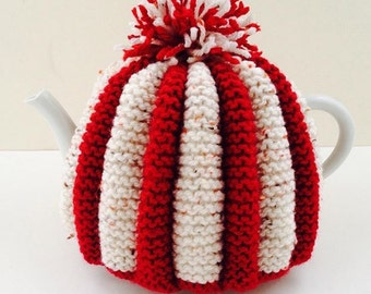 Hand knitted Vintage Retro style Pleated Tea Cosy - the Duchess Collection - in Wool-rich blend - Size MEDIUM - by Tafferty Designs