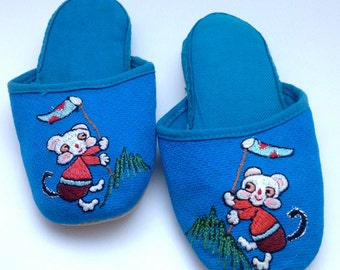 YEAR of the MONKEY Adorable Blue Embroidered Vintage Chinese Slippers MINT