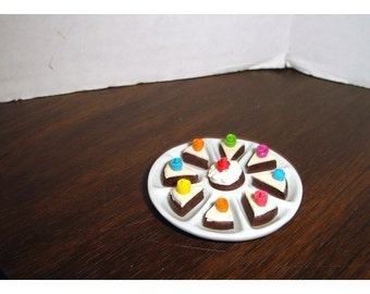 Miniature Porcelain Round Dessert Tray with Slices of Cake/Minis/Craft Supplies*