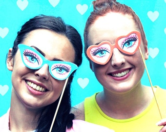 Barbie party photo props, printable paper glasses kit. Download instantly DIY templates/patterns to print & make 5 specs - by Happythought.