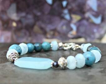 Blue quartz bead, blue stone bracelet, apatite beads, blue jasper, aquamarines, mixed stones, blue jewelry, gemstone jewelry, blue gemstones