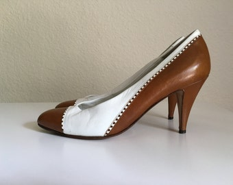 Vintage Shoes Women's 80's Bally Leather, Heels, Brown, White, Pumps (Size 7 1/2)