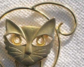 Cat Brooch Pin Kitty with Catitude Goldtone Openwork Vintage 80s Costume Jewelry