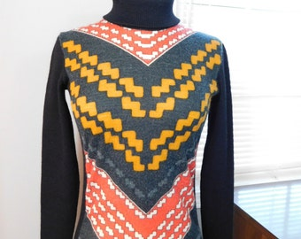 Vintage 60s 70s Sweater Turtleneck - Black and Geometric V Pattern - Mogador Selection - Made in France - Small