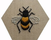 Crewel work embroidered Bee - PDF Instructions