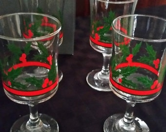 Gorgeous Xmas Holiday Wine Glasses--HARD Find--15-40% off Sales throughout our Shop