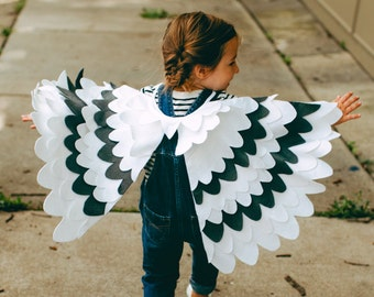 Kids White and Grey Wing Set, Childrens Bird Dressing up Costume Wing Set, For Boys Girls Toddlers