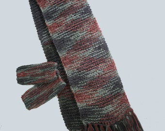 Easy knitted scarf and fingerless gloves