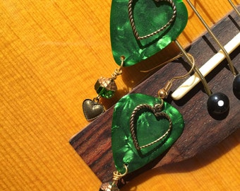 Guitar pick earring emerald green vintage hearts