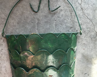 Vintage metal WALL BASKET wall decor wire handle retro country style