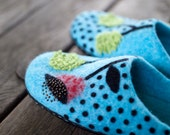 Wool slippers felted women home shoes teal slippers with flowers woolen clogs polka dots turquoise slippers Christmas gift