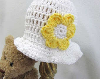 White Cotton Baby Hat, Crochet Infant Cap in White with Yellow Flower, MADE TO ORDER, Summer Sunhat, Home from Hospital Hat, Baby Girl Hat