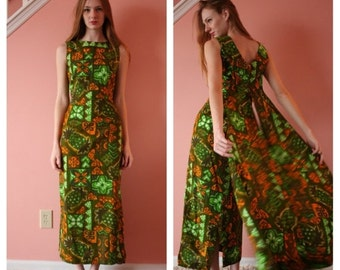 50% OFF SALE Vintage Hawaiian Maxi Gown with Train / Green Floral Garden Party Dress / Hourglass Cut Hawaii Islands Dress / Size Small sm