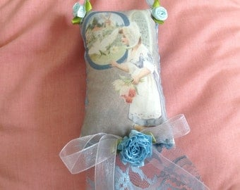 Lavender scented sachet with image  of a dutch girl