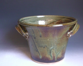 Hand thrown stoneware pottery serving soup bowl (SB-3)