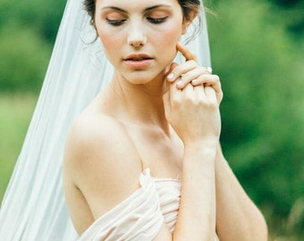 French Silk tulle single layer veil comb