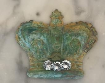 Vintage crown, rusty patina green, princess crown, wedding favor crown findings (free shipping)
