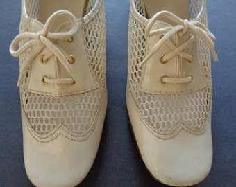 vintage bone color mesh spectator shoe