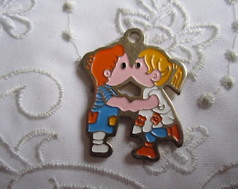Vintage Little Boy and Little Girl Kissing Pendant from Taiwan