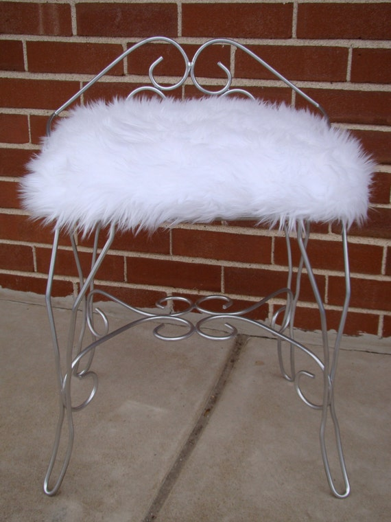 Furry Fuzzy Vanity Chair