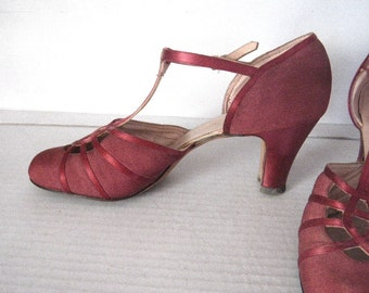 1920s T Strap Dark Rose Pink Dance Shoes Flapper 7 1/2 AAA Fabric Leather Sole