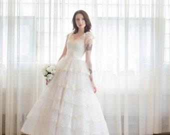 35% OFF - Vintage 1950s Wedding Dress - Lace 50s Wedding Gown - Torta Strati Wedding Dress