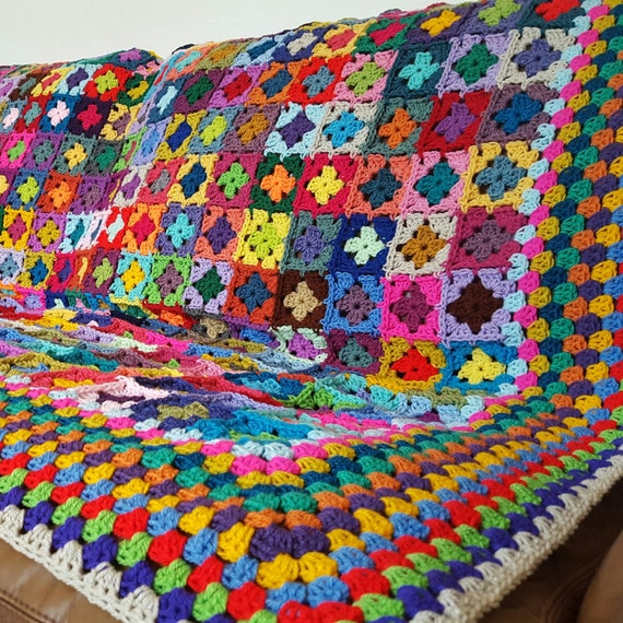"Striking Mini Granny Squares Blanket Afghan  70"" x 60"" 320 Squares"