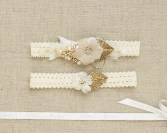 Gold Wedding garter, Wedding garter set, Bridal garter, lace wedding garter, Lace garter set, Bridal Garter set,  Lace Garter, Floral garter