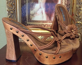1970s 80s PLATFORM Carved wood mega Shoes Hippie Gypsy Chunky Heels Super stacked RARE