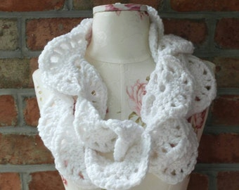 Super Soft and Thick White Lacey Cowl