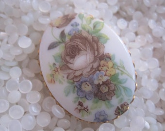 vintage brooch, porcelain , tranfers flowers brooch , gold tone