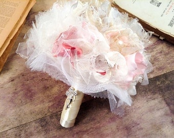 Only One! Bridal Bouquet-Romantic Bouquet- Wedding Bouquet with Satin-Tulle-Lace Roses