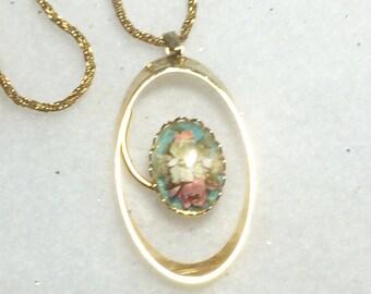 Pendant Necklace Vintage Monet Dried Flower Floral Pendant Nature Necklace Goldtone Gold Tone Chain 1970s1980s