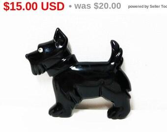 Black Scotty Dog Brooch - Black Plastic with Clear Rhinestone Eye - Cute Terrier Dog Pin - Vintage Figural Jewelry