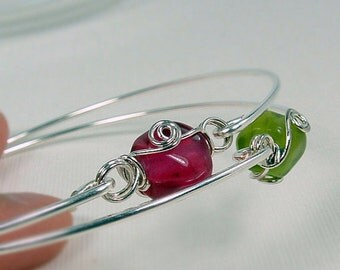 SALE- Set Of 2- Green And Ruby Wire Wrapped Bracelet Set, Silver Bracelets, Stacking Bangle Bracelets, Holiday Gift, Christmas Gift For Her