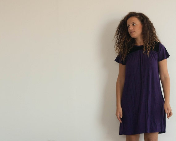 Dress with Belt, with an added fabric for special combination of textures, velvet or shiny fabric