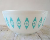 Pyrex Eyes Mixing Bowl - Turquoise and White - 403