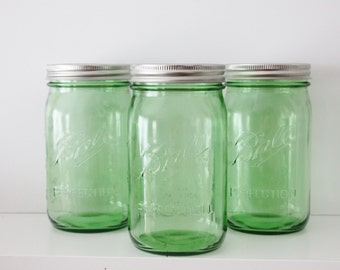 Set of 12 Twelve GREEN MASON Jars 32 oz Jar Canning Jars Rustic Vintage Wedding Lime Emerald Green St Patricks Day Ball Quart Candle Holder