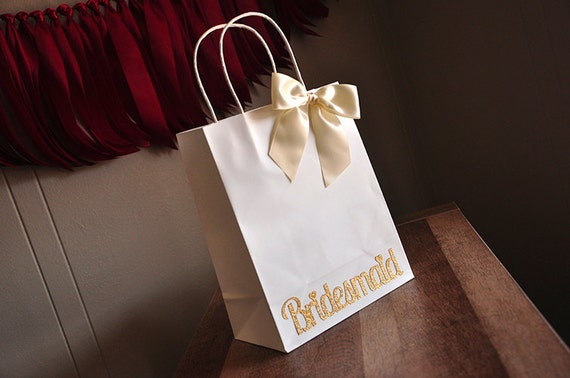 Ideas For Bridesmaid Gift Bags : ... Bags with Handle. Bridesmaid Gift Ideas. by Confetti Momma Catch My