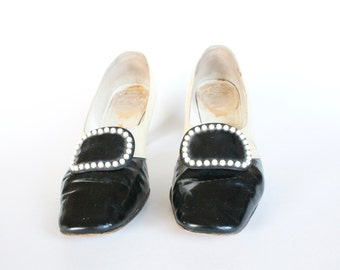 Vintage 1950s/1960s Black and White Two-Tone Heel Women's Shoes Size 6 or 6.5