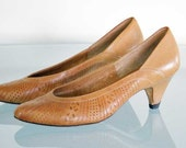 Vintage Women's Shoes Size 6 Tan Punched Leather 2 Inch Heels