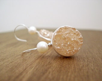 Champagne Druzy and Pearl Earrings Sterling Silver Earrings Peachy Stone Jewellery Gift Idea Boucles D'Oreilles Druzy et Perles Blanches